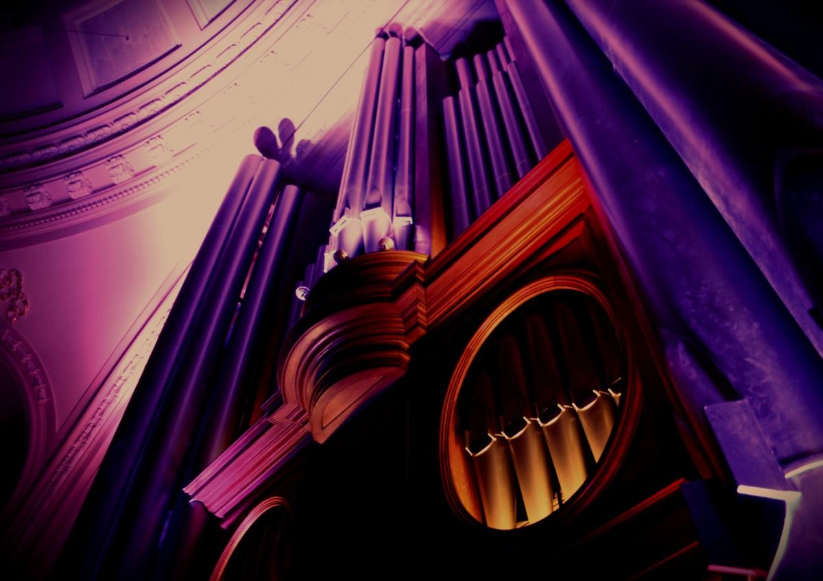 Moody-Sankey-Organ-e1431620626149